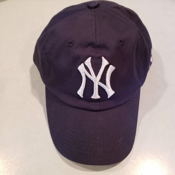 info for c4080 50f36 New York Yankees 2018 Canon Breast Cancer Hat Cap